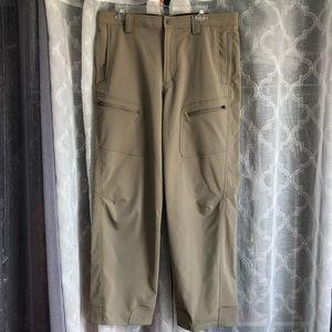 EUC-Like new LL Bean Water Resistant Hiking Pants